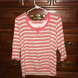 Woman's Three quarter link shoulder shirt